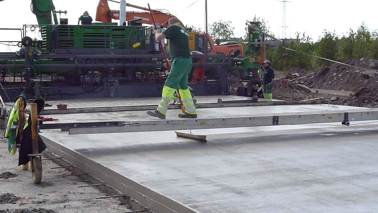 brossage du beton en surface