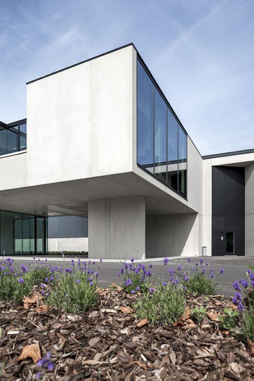 facade en beton apparent brut
